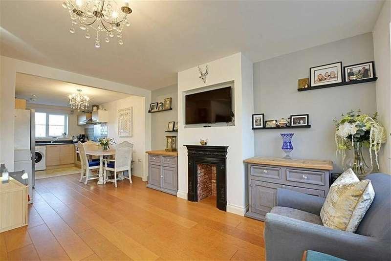 4 Bedrooms Terraced House for sale in Buckwells Field, Bengeo, Herts, SG14