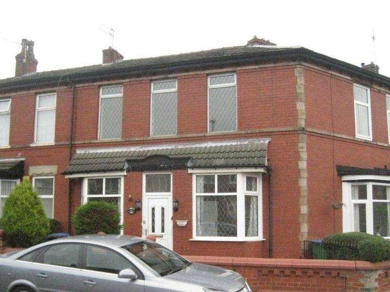 4 Bedrooms Terraced House for rent in Coomassie Street Heywood.