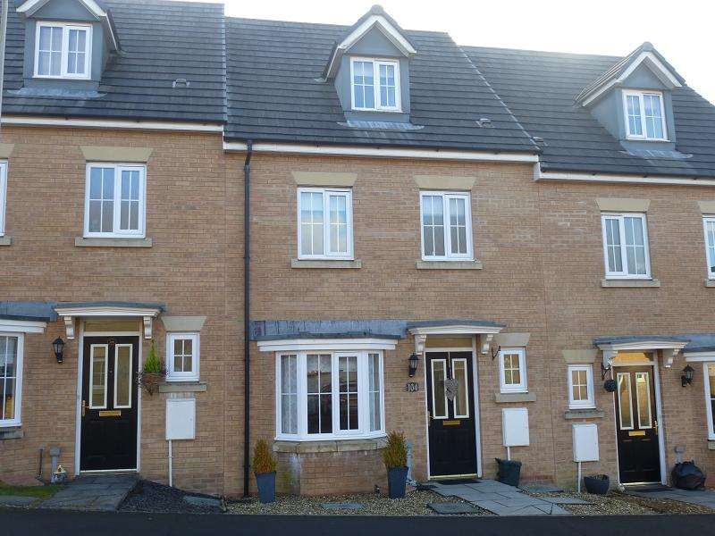 4 Bedrooms Terraced House for sale in Ffordd Y Glowyr , Betws, Ammanford, Carmarthenshire.