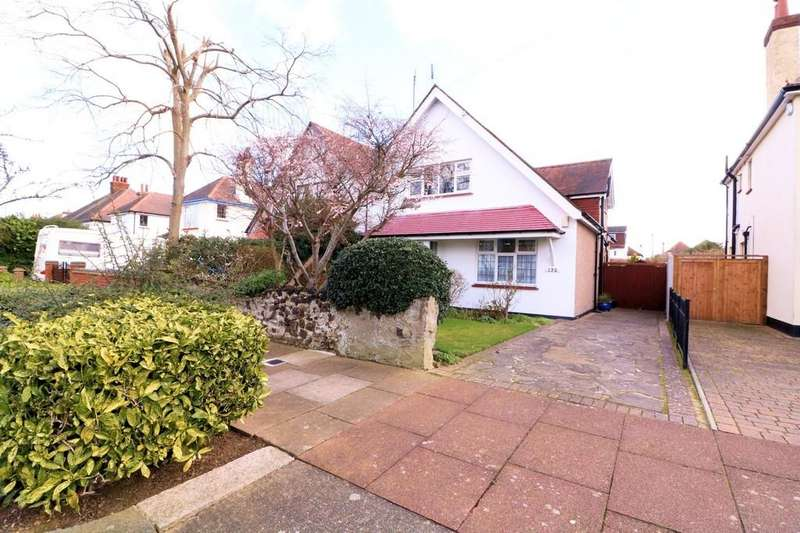 3 Bedrooms Semi Detached House for sale in St. Augustines Avenue, THORPE BAY