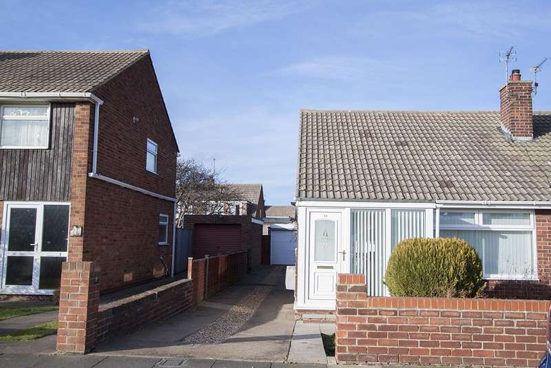 2 Bedrooms Semi Detached Bungalow for rent in Grosmont Road, Seaton Carew, Hartlepool TS25