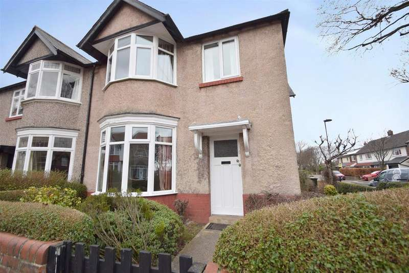 3 Bedrooms Semi Detached House for sale in Hillcrest, Monkseaton