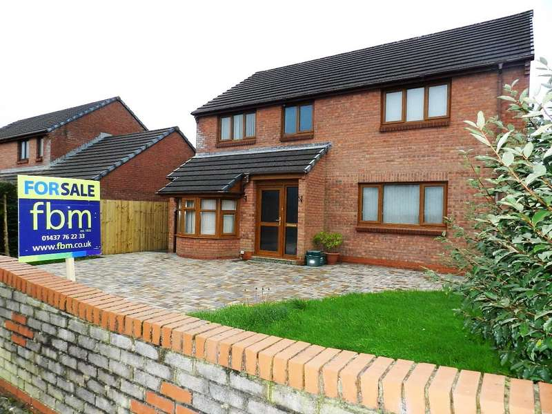4 Bedrooms Detached House for sale in Redhill Park, Haverfordwest, Pembrokeshire