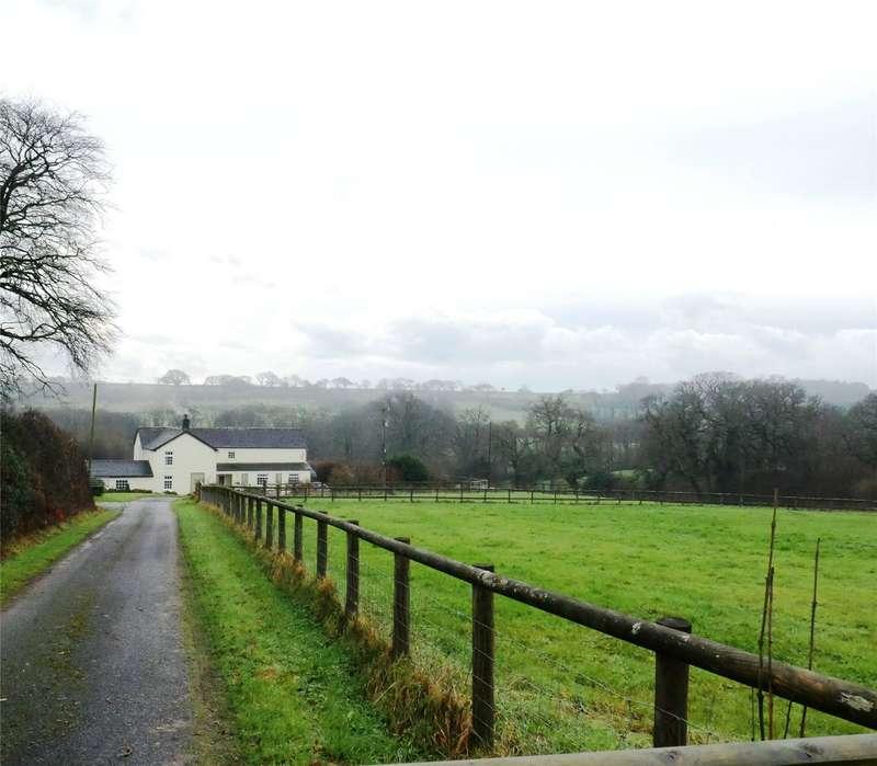 4 Bedrooms Detached House for sale in College Farm, Llanfallteg, Carmarthenshire