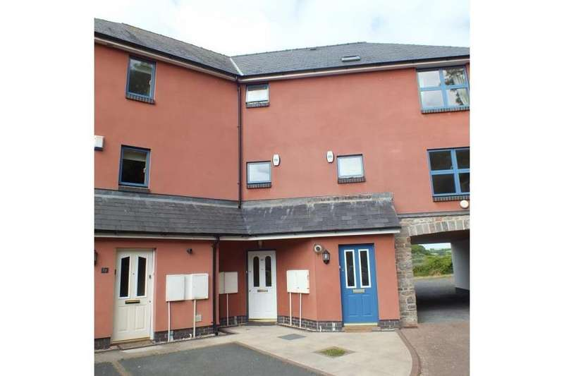 3 Bedrooms Terraced House for sale in Rocky Park, Pembroke, Pembrokeshire