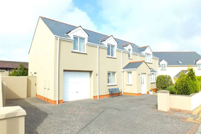 4 Bedrooms Detached House for sale in Fairways, Pembroke Dock, Pembrokeshire