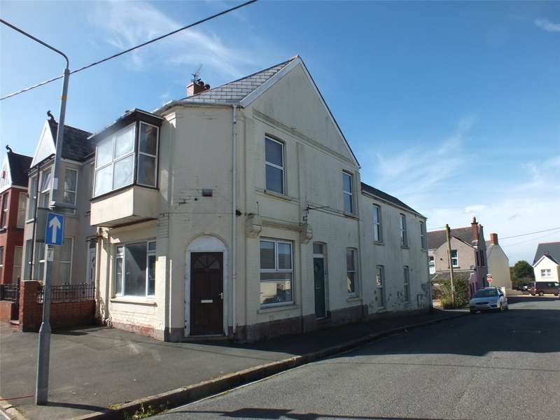 4 Bedrooms Flat for sale in The Old Bakery, Dewsland Street, Milford Haven, Pembrokeshire