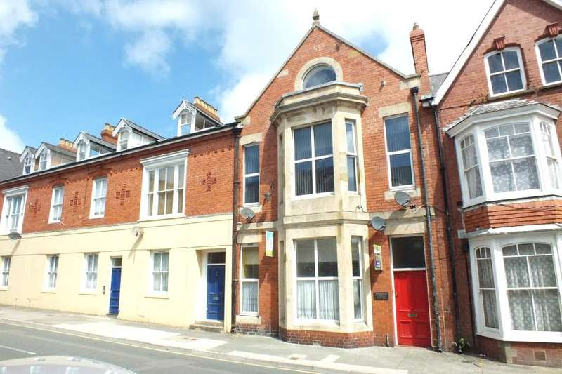 2 Bedrooms Flat for sale in Flat 2, Bush Street, Pembroke Dock, Pembrokeshire