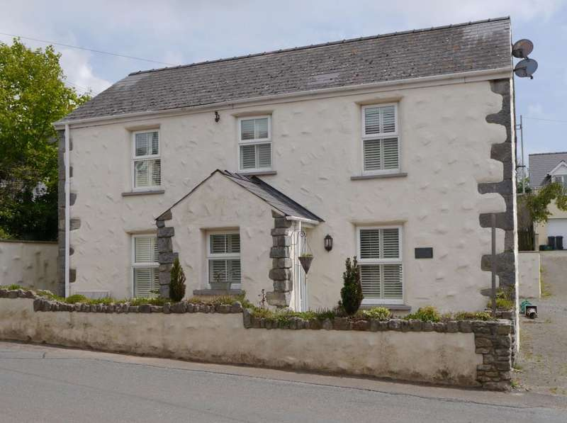 4 Bedrooms Detached House for sale in Primrose Cottage, High Street, St. Florence, Tenby