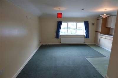 1 Bedroom Flat for rent in Salisbury Road, Amesbury