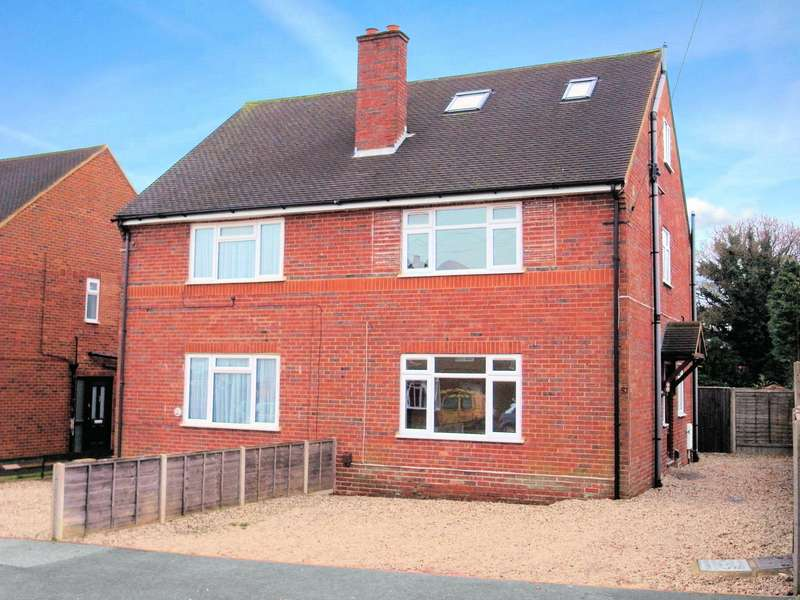 3 Bedrooms Semi Detached House for sale in Saffron Platt, Guildford, Surrey, GU2