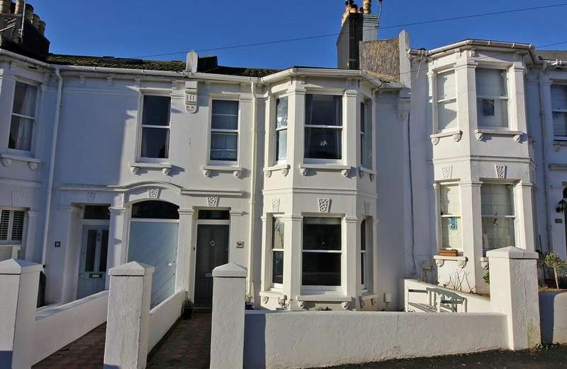 4 Bedrooms Terraced House for sale in Chester Terrace, Brighton BN1