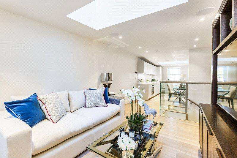 2 Bedrooms Penthouse Flat for sale in The Penthouse, Strand Chambers, WC2R