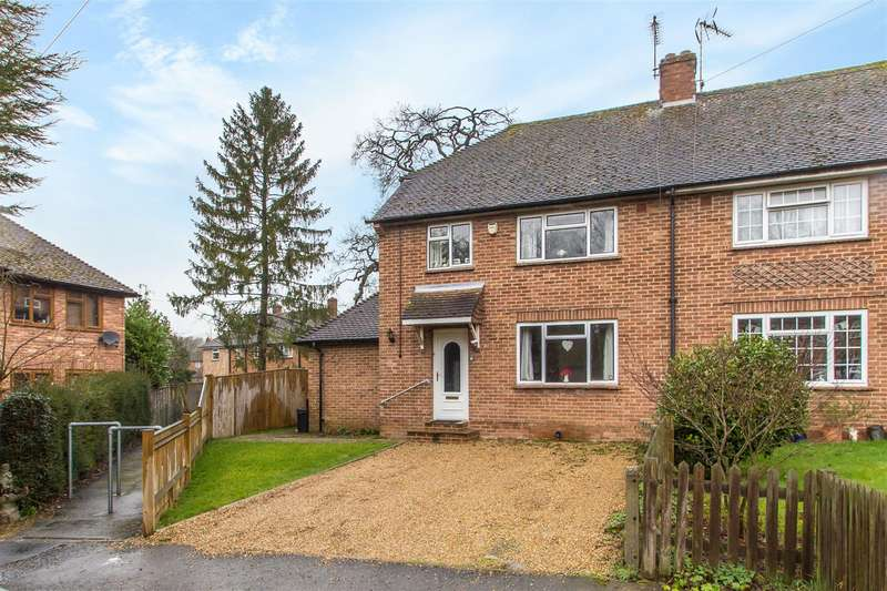3 Bedrooms Semi Detached House for sale in Thorns Meadow, Brasted