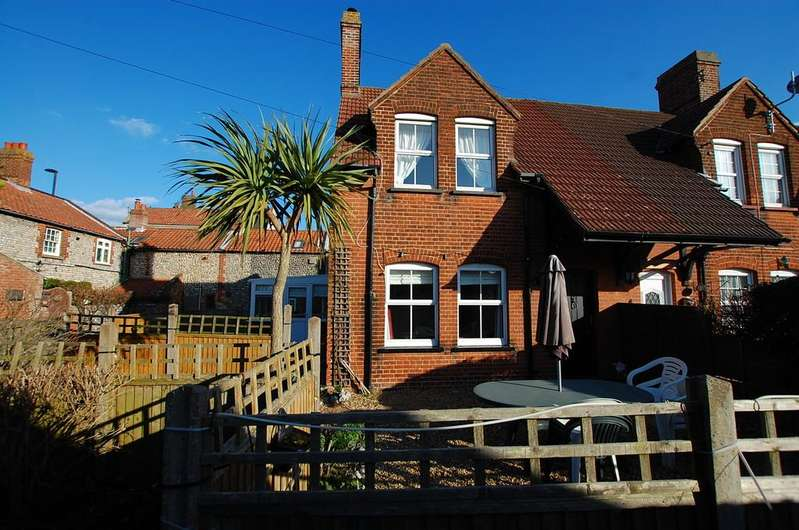 2 Bedrooms Cottage House for sale in East Runton