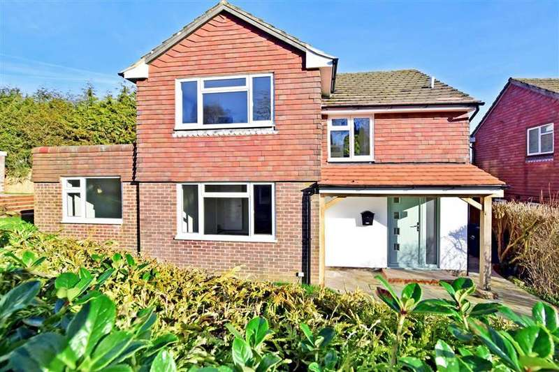 5 Bedrooms Detached House for sale in Saxonbury Close, Crowborough, East Sussex