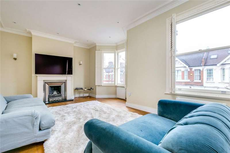 2 Bedrooms Flat for rent in Eynham Road, London