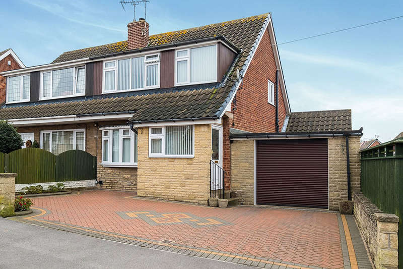 3 Bedrooms Semi Detached House for sale in Glebe Avenue, Harthill, Sheffield, S26