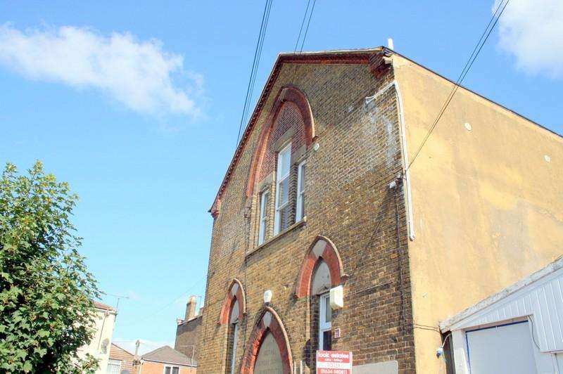 2 Bedrooms Apartment Flat for sale in Hare Street Hall, Hare Street, SHEERNESS ME12