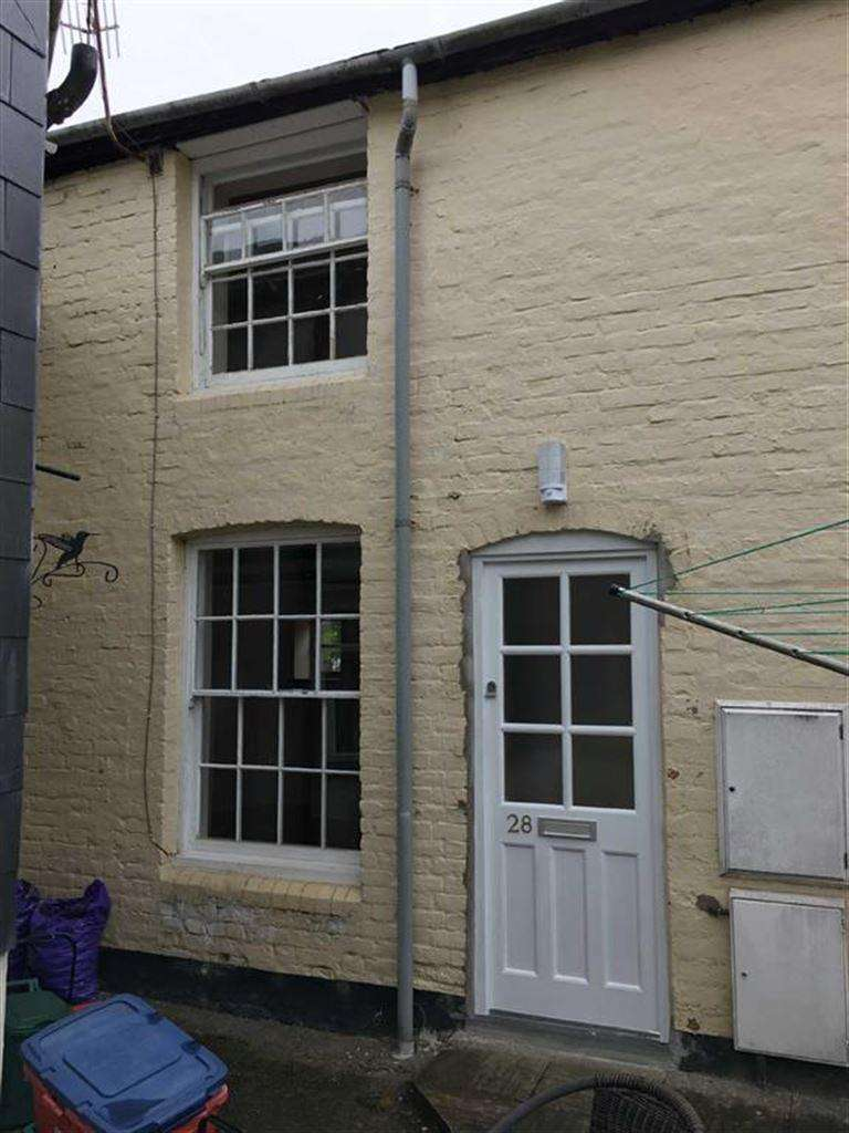 1 Bedroom Terraced House for rent in 28, Picton Street, Llanidloes, Llanidloes, Powys, SY18