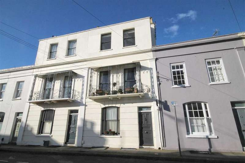4 Bedrooms Town House for sale in Albert Place, Pittville, Cheltenham, GL52