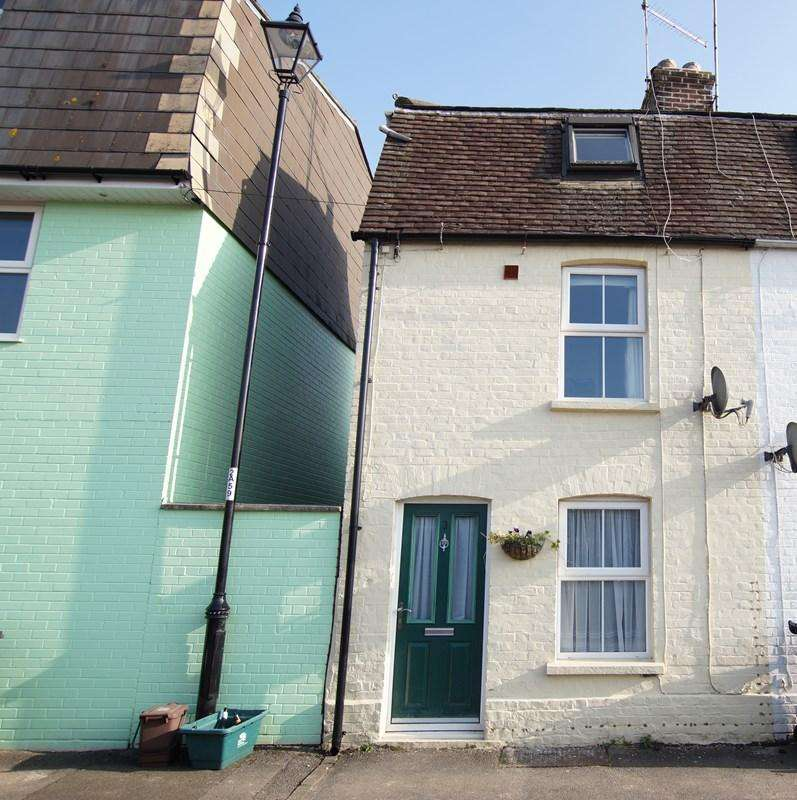2 Bedrooms End Of Terrace House for sale in Albert Street, Blandford Forum