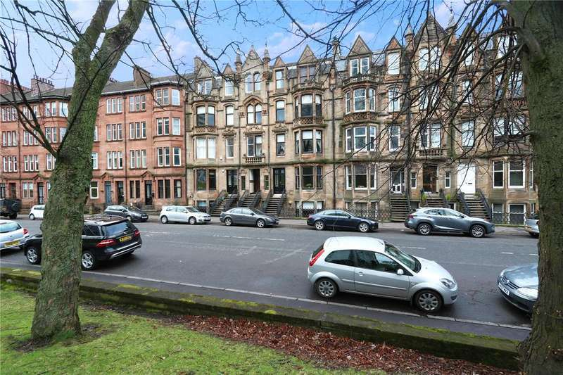 2 Bedrooms Apartment Flat for sale in 3/2, Broomhill Drive, Broomhill, Glasgow