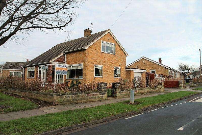 3 Bedrooms Detached House for sale in Castleton Drive, Billingham