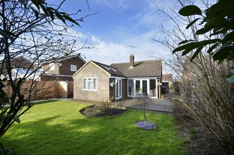 3 Bedrooms Detached Bungalow for sale in Stratton Close, Market Harborough