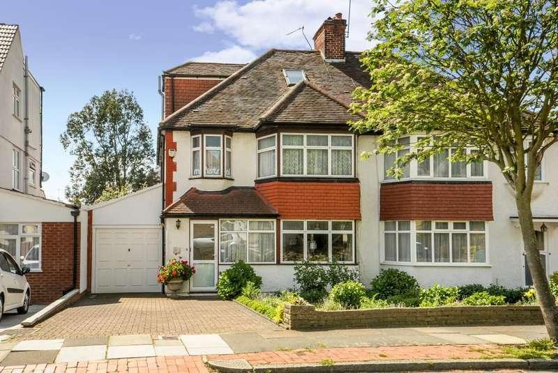 4 Bedrooms House for sale in Sandringham Gardens, London, N12, N12
