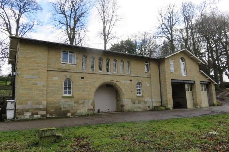 3 Bedrooms Flat for rent in Coach House, Kirkham Abbey, YO60 7JS