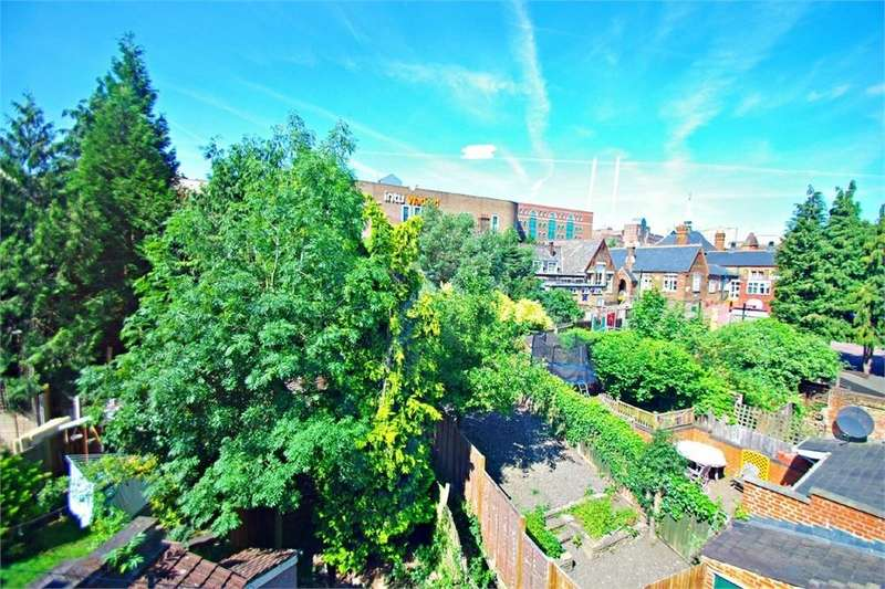 1 Bedroom Flat for sale in Gladstone Road, WATFORD, Hertfordshire