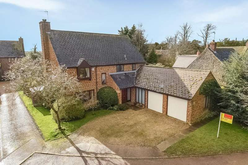 4 Bedrooms Detached House for sale in Duns Tew, Oxfordshire, OX25