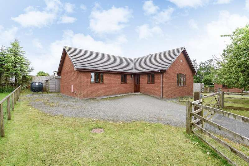 3 Bedrooms Detached Bungalow for sale in Howey, Llandrindod Wells, Powys, LD1