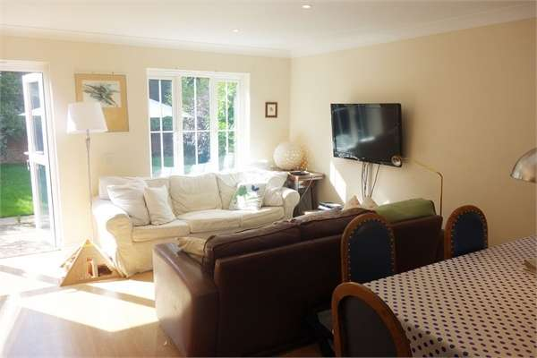 3 Bedrooms Detached House for sale in Swaits Meadow, Headley, Thatcham, Hampshire