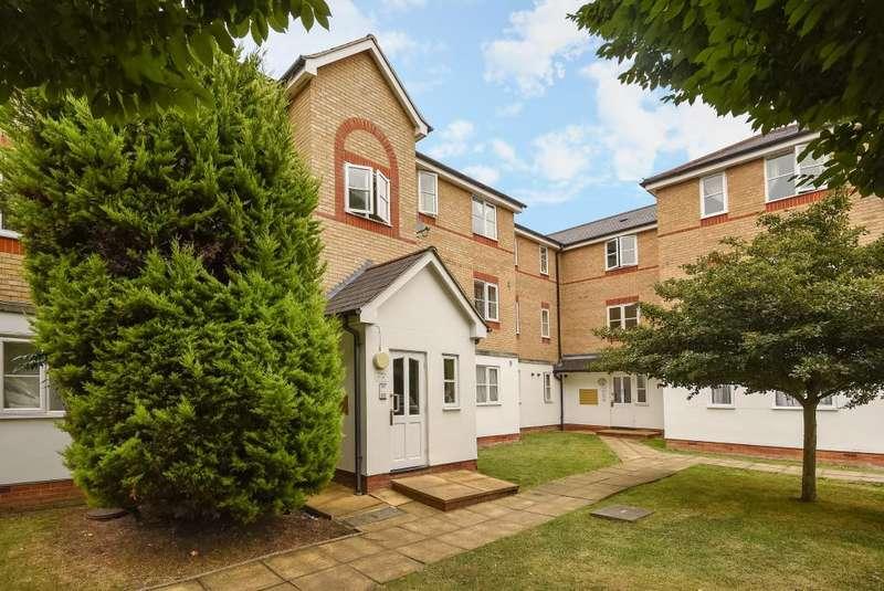 1 Bedroom Flat for sale in Clarence Close, New Barnet, EN4