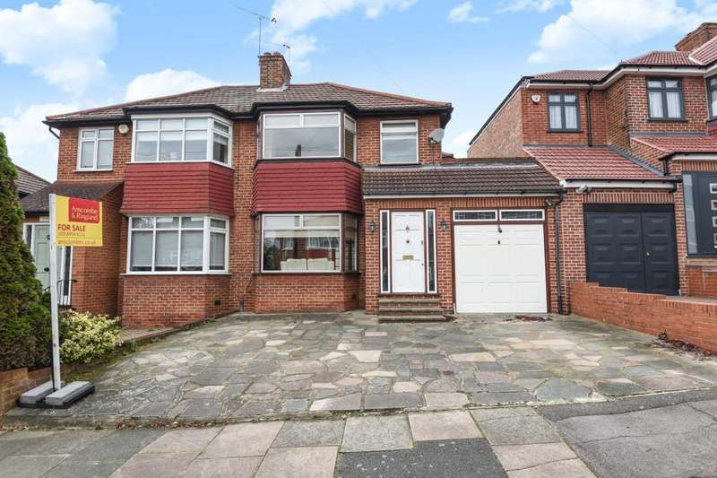 3 Bedrooms House for sale in Braithwaite Gardens, Stanmore, HA7