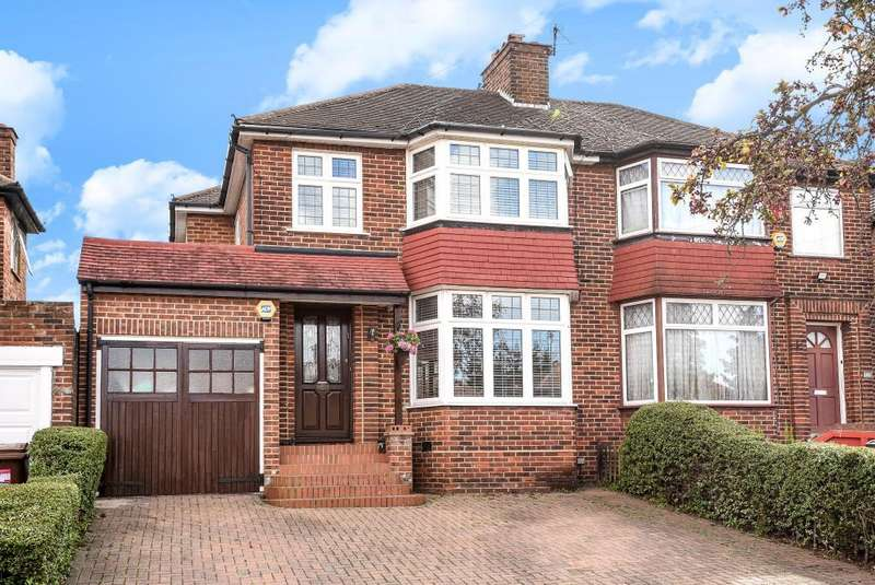 3 Bedrooms House for sale in Stanmore, Middlesex, HA7