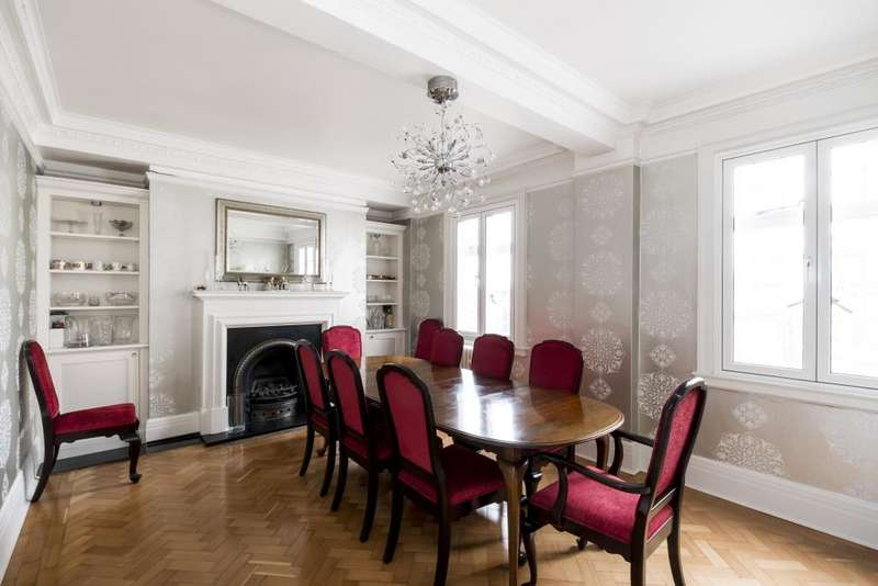 3 Bedrooms Flat for sale in Chiltern Court, Baker Street, NW1, NW1