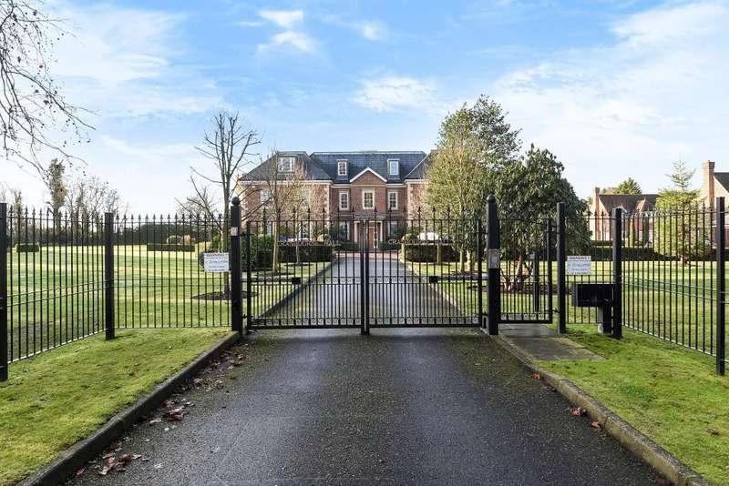 3 Bedrooms Flat for sale in Windsor, Berkshire, SL4