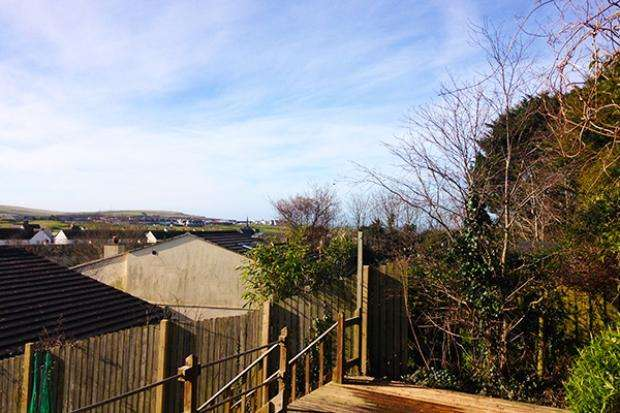 3 Bedrooms Bungalow for rent in Seawell Road, Bude, EX23