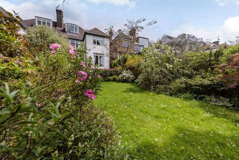 4 Bedrooms House for sale in Park Drive, Golders Hill, NW11