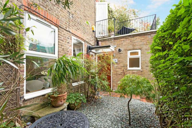 2 Bedrooms House for sale in Rudall Crescent, Hampstead, NW3