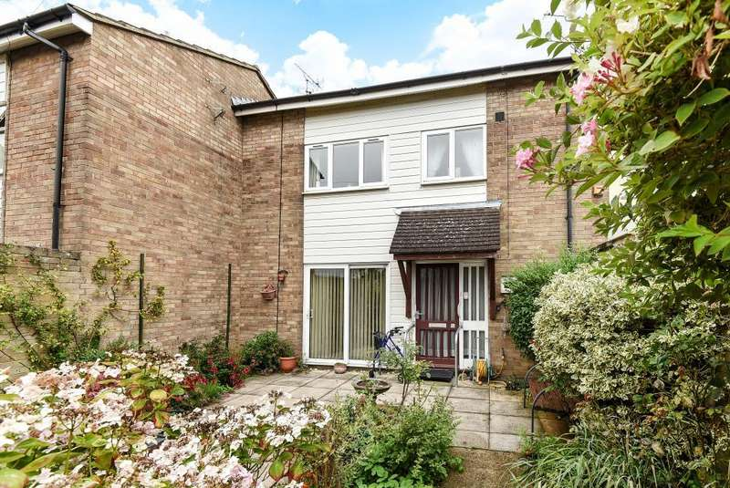3 Bedrooms House for sale in Dalston Close, Elmhurst, Aylesbury, HP20