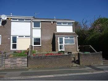 3 Bedrooms Terraced House for rent in Chaucer Way, Honicknowle, Plymouth, PL5