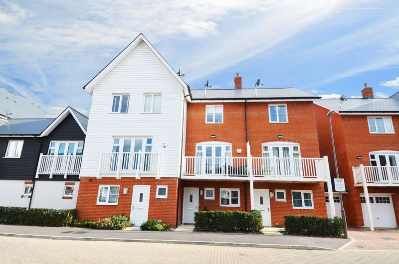 3 Bedrooms Terraced House for sale in Venics Way, High Wycombe, HP11