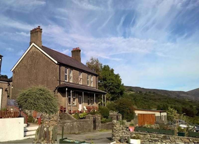 7 Bedrooms Detached House for sale in Talysarn, Gwynedd, North Wales