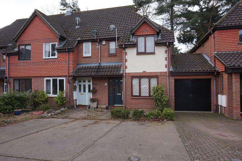2 Bedrooms Terraced House for sale in The Moors, Drayton, Norwich
