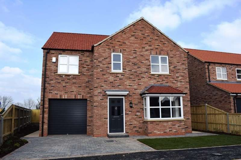 4 Bedrooms Detached House for sale in The Hazel, Plot 37, The Maples, Holton-le-Clay