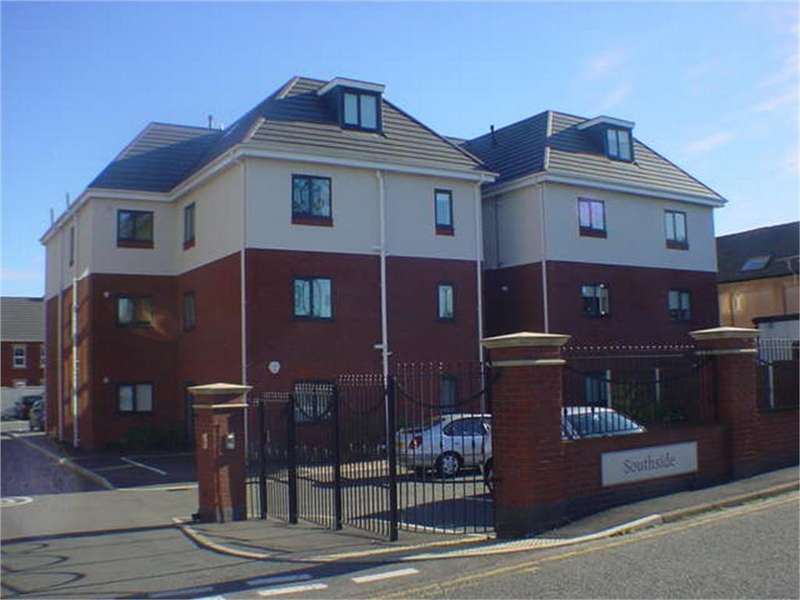 2 Bedrooms Flat for rent in Argoed Road, Buckley, Flintshire